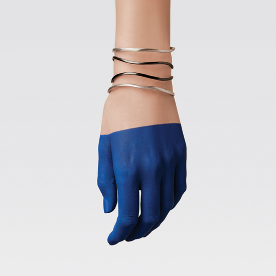 APRIATI LOOKBOOK SPRING 2016 DOUBLE WRIST IN BLUE HAND
