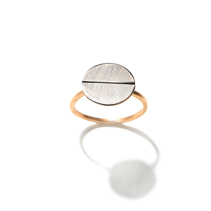 APRIATI LOOKBOOK SUMMER 2016 BUTTON LARGE SPINNING RING