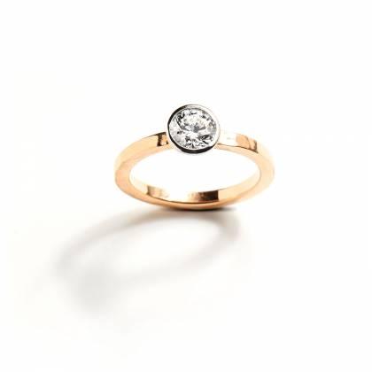 SINGLE DIAMOND 0.83 FRONT