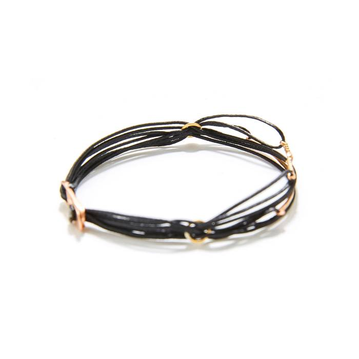 7 CORDS WITH PLAQUE AND 2 MINI TRAIN (BLACK) SIDE FOCUS BACK