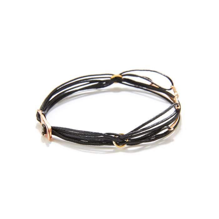 7 CORDS WITH PLAQUE AND 2 MINI TRAIN (BLACK) SIDE FOCUS FRONT